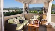 Private poolside cabana rentals are ideal perfect for a Saturday afternoon by the pool.