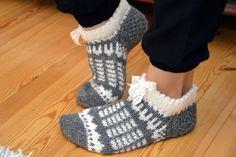 Crochet Socks, Knitting Socks, Knit Crochet, Knit Socks, Handicraft, Mittens, Slippers, Adidas, Fabric