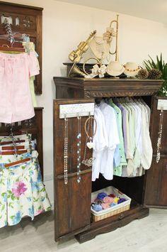 ¡Variedad en ropa y accesorios! Visítanos en el Centro Ciudad Comercial Tamanaco (CCCT).  #GriseldaTovar #Moda #Mujeres #Navidad2014 #ChristmasAndLove