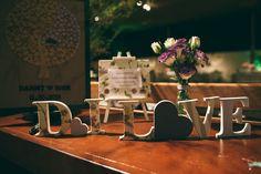 Letras de madeira personalizadas com tecido. Peça um orçamento: ateliesonhodecaixa@gmail.com