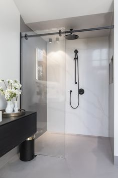 Bathroom Toilets, Bathroom Renos, Laundry In Bathroom, Master Bathroom, Bathroom Design Luxury, Modern Bathroom, Home Interior Design, Dream Bathrooms, Beautiful Bathrooms