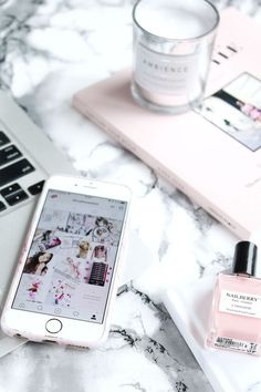 Phone Flatlay with Marble and pink Tumblr Fotos Instagram, Photo Pour Instagram, Instagram Tips, Instagram Feed, Tumblr Photography Instagram, Instagram Lifestyle, Instagram Money, Pink Instagram, Facebook Instagram