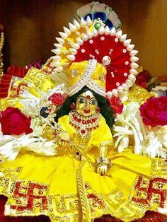 Lord Krishna, Lord Shiva, Laddu Gopal Dresses, Growing Sunflowers, Ladoo Gopal, Shree Ganesh, Krishna Janmashtami, Pooja Rooms, Indian Festivals