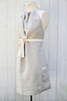 heirloomed full halter apron