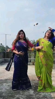 Beautiful Bollywood Actress, Most Beautiful Indian Actress, Happy Hour Outfit, 10 Most Beautiful Women, Desi Girl Image, Indian Bridal Fashion, Beautiful Blonde Girl, Dance Poses, Curvy Women Fashion