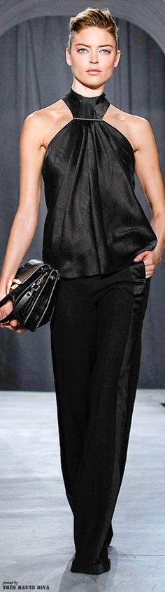 Jason Wu Fall/Winter 2014 RTW for ladies with the toned arms Runway Fashion Looks, High Fashion, Womens Fashion, Get Dressed, Couture Fashion, Passion For Fashion, Evening Gowns, Beautiful Dresses, Jason Wu