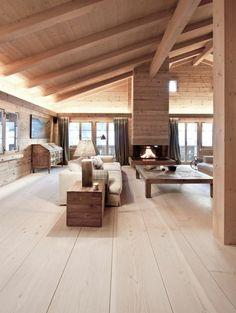 sol en plancher, sol en bois, plafond sous pente, plafond en bois, fenetre grande
