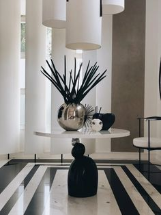 At Home with Kelly Hoppen (Podcast Notes) - Mad About The House Hall Design, Floor Design, House Design, Design Design, Kelly Hoppen Interiors, Half Painted Walls, Interior Architecture, Interior Design, Luxury Interior