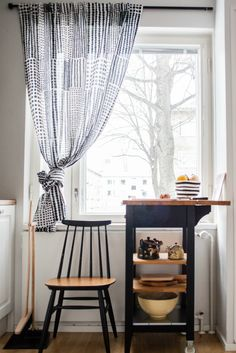 Mid-century kitchen I Design Social Helsinki Helsinki, My Design, Mid Century, Curtains, Kitchen, Interiors, Home Decor, Insulated Curtains, Cooking