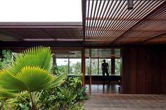 edificio rectangular con grandes ventanales - Buscar con Google