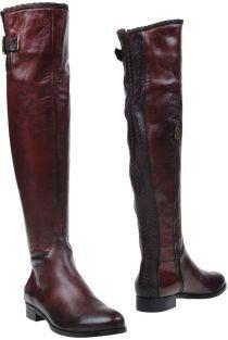 PHISIQUE DE FEMME Boots