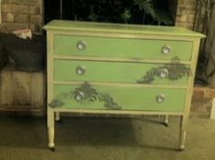 | started by using Annie Sloan Chalk Paint in Old White for the body ...