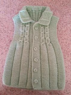 Collared Knitted Baby Vest with Linked Tire Model Building Zeliha Shrug Knitting Pattern, Kids Knitting Patterns, Knitting For Kids, Knitting Stitches, Knitting Designs, Knitting Socks, Knit Baby Dress, Crochet Baby Clothes, Baby Cardigan