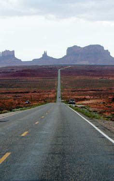 Monument Valley. Utah. This makes me want to get in the car and just DRIVE FAR AWAY.