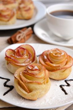 Apple Roses 'Tis the season for apples! Make these beautiful and delicious apple roses with puff pastry and juicy fresh apples.