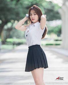 School Girl Japan, School Uniform Girls, Cute School Uniforms, Beautiful Girl Body, Beautiful Girl Indian, Cute Asian Girls, Cute Girls, Sexy Outfits, Girl Outfits