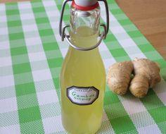 Make ginger syrup yourself - Eating fun & More - Make ginger syrup yourself Eating pleasure & More - Tapas, Ginger Syrup, Food Club, Liqueur, Smoothie Drinks, Detox Drinks, Hot Sauce Bottles, Healthy Drinks, Lemonade