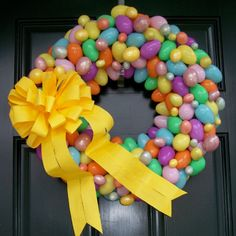 I've decided to start making wreaths for the holidays to put on my new front door :-)  Valentines is already finished <3