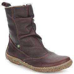 Štýlový model polokozačiek Nido Trambu prináša značka El Naturalista. Dvojica kožený zvršok a hnedá farba je zárukou úspešne rozohratej partie. A keďže pohodlie pri chôdzi je prvoradé, môžete sa spoľahnúť na ohybnú podrážku z gumy. Sú dokonalé, ako aj vy! - Farba : Hnedá - Topánky Damy 149,00 eur Combat Boots, Modeling, Winter, Outfits, Shoes, Fashion, Winter Time, Outfit, Zapatos