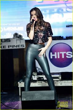 Hailee Steinfeld Rocks Out at Revolution For Hits Sessions