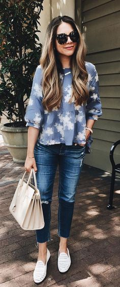 Step out and catch the breeze this summer in this shirt that's all florals, light ruffling and good vibes. Ecstatic Flowers Embroidered Chambray Dolly Top featured by The Teacher Diva Blog