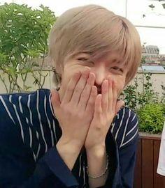 Osaka, Memes Chinos, Nct Yuta, Kpop, Meme Faces, Reaction Pictures, Winwin, Boyfriend Material, Taeyong