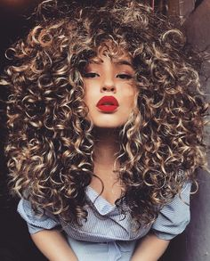Seriously Beaut Curly Hairstyles So You Can Be A Curly Girl Curls are so hot right now. Women's Human Hair Wigs, Curly Hair Styles, Natural Hair Styles, Coiffure Hair, Pelo Afro, Big Hair, Blond Curly Hair, Wild Curly Hair, Curly Afro