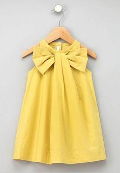 Gelbes Kleid für Mädchen // Romantic girl dress by oezkan- via dawanda.com