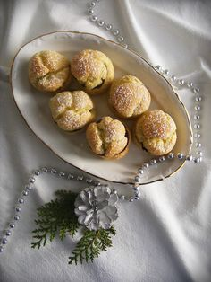La asaltante de dulces: Receta de profiteroles de chocolate a la vainilla/ Chocolate cream puffs recipe