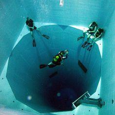 La más profunda Piscina cubierta en el Mundo