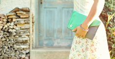 Farbenfrohe und wunderschöne Windeltaschen von Boo Poo #Windeltaschen #Wickeltaschen #GeschenkeFürSchwangere
