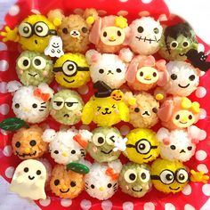 Sanrio & San X Halloween rice balls by Ryoko ( Bento Box Lunch For Kids, Bento And Co, Cute Bento Boxes, Cute Snacks, Cute Food, Bento Tutorial, Disney Candy, Food Art For Kids, Kawaii Bento