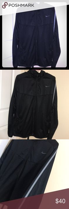 Men's Nike Light weight performance jacket Like new condition, size XL, side pockets, mesh on sides, 100% polyester Nike Jackets & Coats Performance Jackets