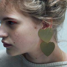 シアタープロダクツの新作アクセサリー、メタルハートのネックレスやイヤリング - 写真3 | ニュース - ファッションプレス