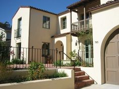 Spanish style home- like the exterior color scheme