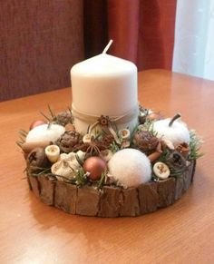 Karácsonyi asztaldísz Christmas Advent Wreath, Prim Christmas, Christmas Candles, Christmas Centerpieces, Kids Christmas, Handmade Christmas, Christmas Decorations, Xmas Flowers, Fancy Candles