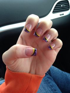 New nails! Representing the Vikings!