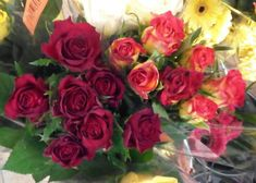 kytice růží 9.2.2018 (70 pieces) Lidl, Jigsaw Puzzles, Flowers, Plants, Puzzle Games, Plant, Royal Icing Flowers, Flower, Puzzles