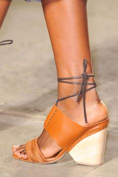 Thakoon at New York Fashion Week Spring 2015 - Details Runway Photos