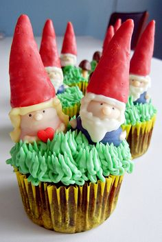 gnome cupcakes by sugarswings, via Flickr