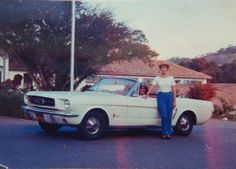 Sonja and her mum in the Mustang - Bogota