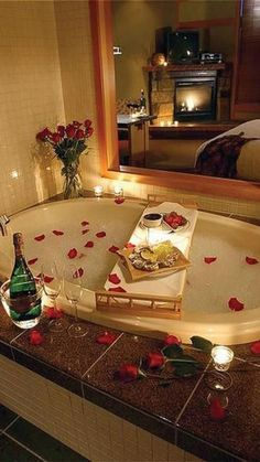 12 Unique Valentine's Day Date Ideas For You And Your Significant Other These Valentine's Day date ideas are bound to impress your significant other! Here are some of the top romantic dates for you to try! Romantic Home Dates, Romantic Date Night Ideas, Day Date Ideas, Cute Date Ideas, Romantic Home Decor, Romantic Homes, Romantic Dinner Setting, Unique Date Ideas, Romantic Dinners