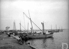 Θεσσαλονίκη. Thessaloniki, Old Photos, Sailing Ships, Istanbul, Greece, Boat, History, Olympia, Old Pictures