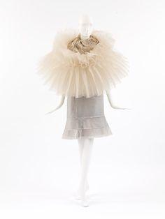 Junya Watanabe (Japanese, 1961). Comme des Garçons, (Japanese, founded 1969). Ensemble, fall/winter 2000-2001. The Metropolitan Museum of Art, New York. Purchase, Richard Martin Bequest, 2001 (2001.742a, b)