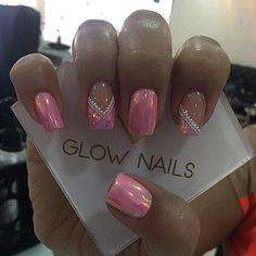 Nail Designs, Nail Polish Designs, Glow Nails, French Manicure Nails, Pink Nail Art, Sparkly Nails, Xmas Nails, Dope Nails, Nail Decorations