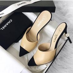 Fashion shoes for fashion women, High Heel Sneakers, Sneaker Heels, High Heels, Girls Sneakers, Girls Shoes, Dream Shoes, Crazy Shoes, Me Too Shoes, Estilo Carrie Bradshaw