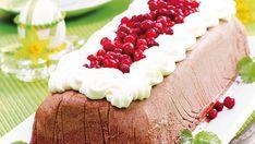 Puolukkainen mämmijäädyke on herkullinen jälkiruoka, joka yhdistää mämmin aromikkuuden, puolukoiden kirpeyden ja kerman pehmeyden.