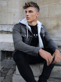 Denim Jacket With Fur, Denim Jackets, Jean Jackets, Stylish Men, Men Casual, Latest Men Hairstyles, Mens Clothing Trends, New Mode, Moda Masculina