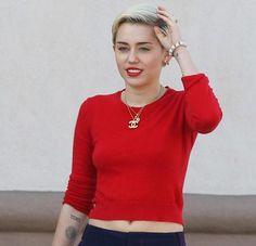 Miley Cyrus #celebrity #mileycyrus #nipslip #nipple