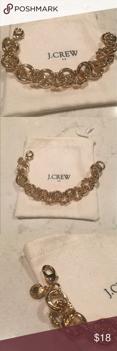 Unworn j. Crew gold link bracelet Beautiful, unworn gold link bracelet. In great shape! Fits a small to medium wrist. Comes with dustbag! Any questions feel free to ask 😊 J. Crew Factory Jewelry Bracelets